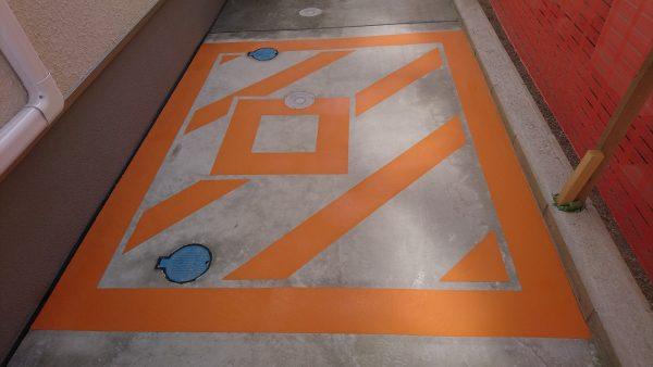柳川市 病院避難ハッチライン塗装